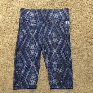 Victoria's Secret Capri leggings